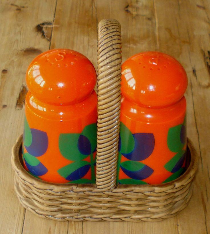 Vintage plastic peper & zout stel, Emsa, oranje, '70, jaren '70, in originele mandje, West Duitsland door MyVintageAndMore op Etsy