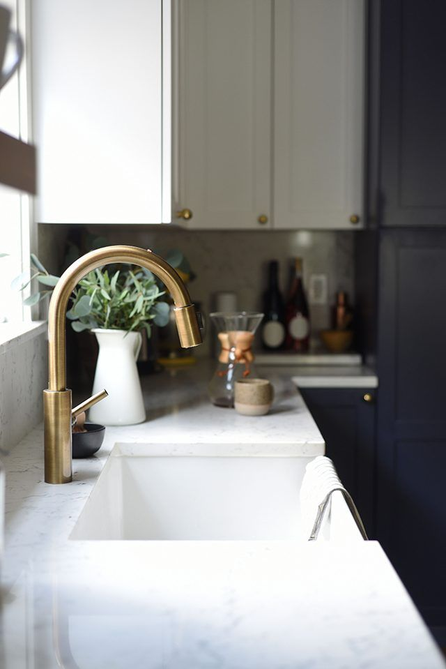 A Modern Kitchen for our 1930s Home (The Reveal!): We tackled a kitchen renovation in our 1930s Seattle tudor and the results are part modern farmhouse kitchen, part sleek. Click through to see all the photos! #tktudor #sponsored @ultracraftcab