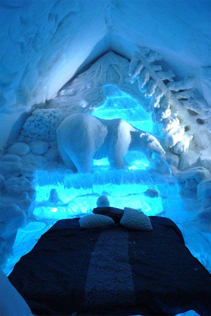 L'une des chambres de l'hôtel de glace à Quebec, à lire sur http://atasteofmylife.fr