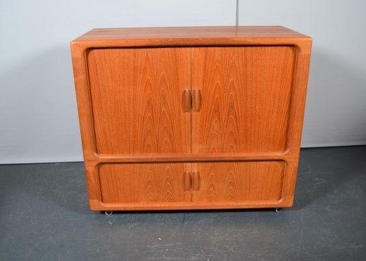 Dyrlund - tv kast op wielen - 1960's