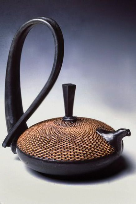 Ragnar Naess, contemporary teapot.