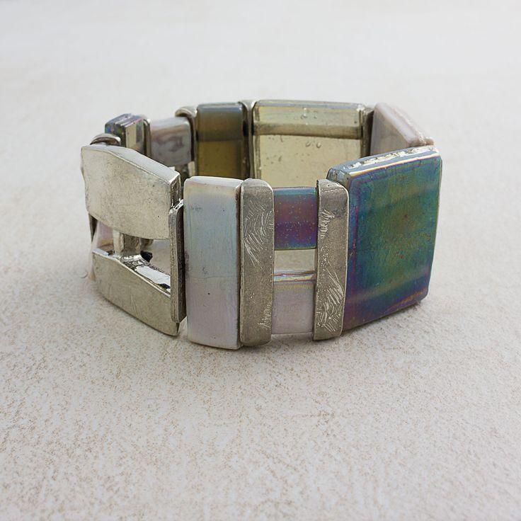 Printemps-Été 2016 Bracelet Maroa en neutre irisé (étain, verre)  === 2016 Spring-summer collection Maroa in iridescent neutral (pewter, glass)