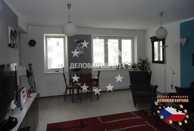 НЕДВИЖИМОСТЬ В ЧЕХИИ: продажа квартиры 2+КК, Прага 5, цена 137 000 € http://portal-eu.ru/kvartiry/2-komn/2+kk/realty474/  Предлагается на продажу квартира 2+КК площадью 73 кв.м в районе Прага 5 – Збраслав стоимостью 137 000 евро. Квартира, которая была построена в 2007 году, расположена на четвертом этаже пятиэтажного дома с лифтом и состоит из гостиной с кухней, ванной комнаты, спальной комнаты и прихожей. К квартире прилагается место в подвале. На полах линолеум, ковры и плитка. В ванной…