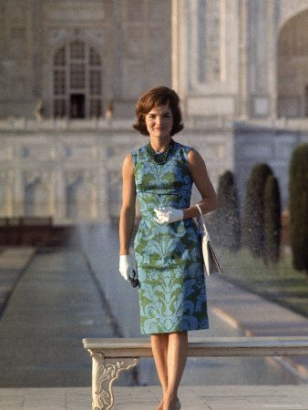 Most beautiful - love the wrist gloves and sacJackie Kennedy, Fashion, Taj Mahal, Style Icons, Life Magazine, India, Jacqueline Kennedy, White House, First Lady