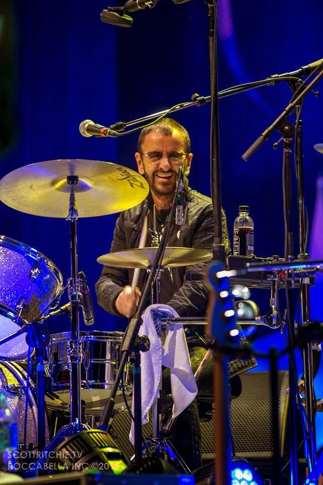 #RINGOSTARR #COLOMBIA http://beatlesmagazine.blogspot.com/2015/03/ringo-all-starr-band-in-colombia-more.html RINGO & ALL STARR BAND IN COLOMBIA - MORE PHOTOS