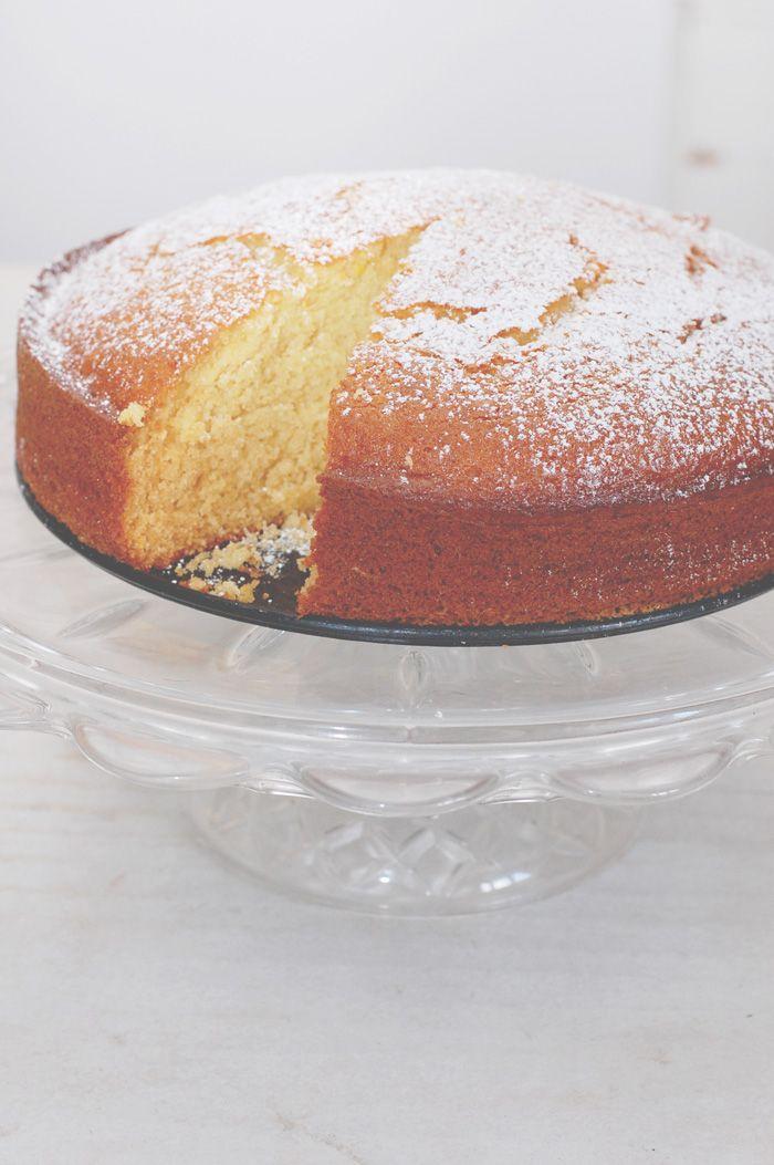 Torta profumata al miele e arancia