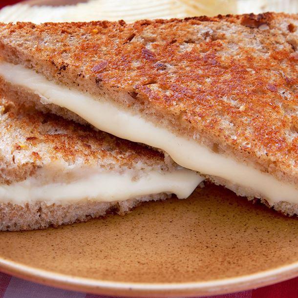 Croque-monsieur au camembert, mascarpone et jambon
