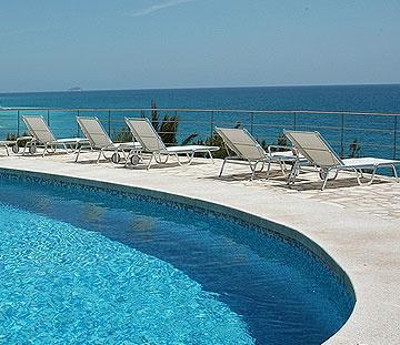 Área piscina del Hotel Servigroup Montiboli en Villajoyosa (Alicante) - España // Pool Area of the Hotel Servigroup Montiboli in Villajoyosa (Alicante) - Spain