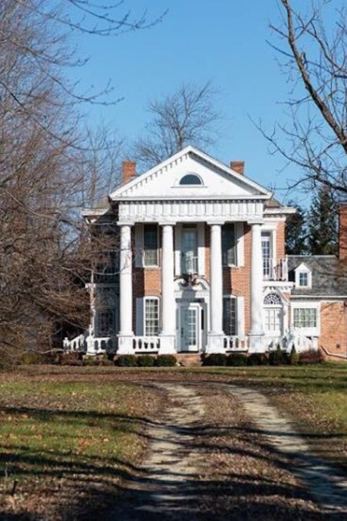 1840 Historic House In Redkey Indiana — Captivating Houses