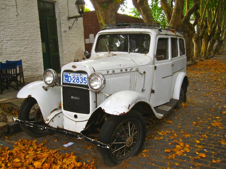Day Trip to Colonia - The White Car.