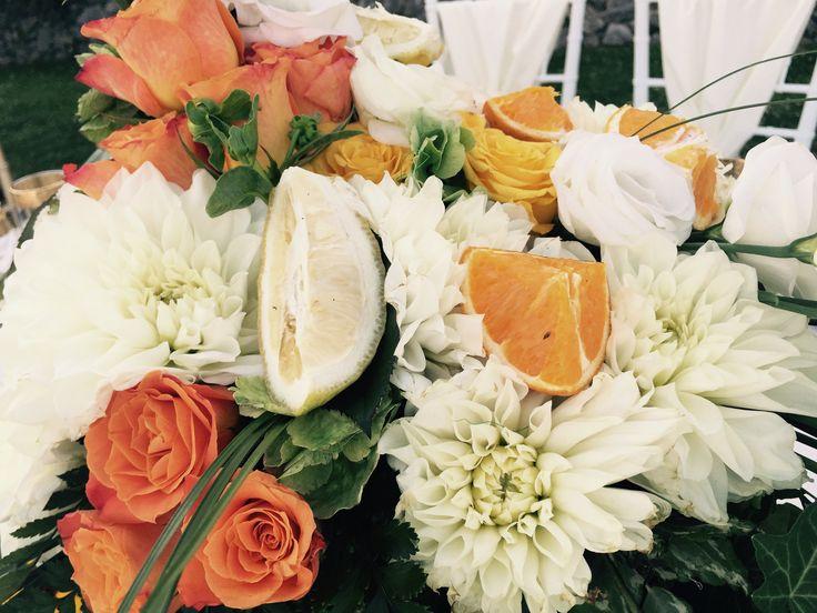 wedding centerpiece, Sant'Eustachio, Villa Minuta, Scala, White, Yellow and Orange colors, Olga Studio, Sposa Mediterranea, Federica wedding Planner