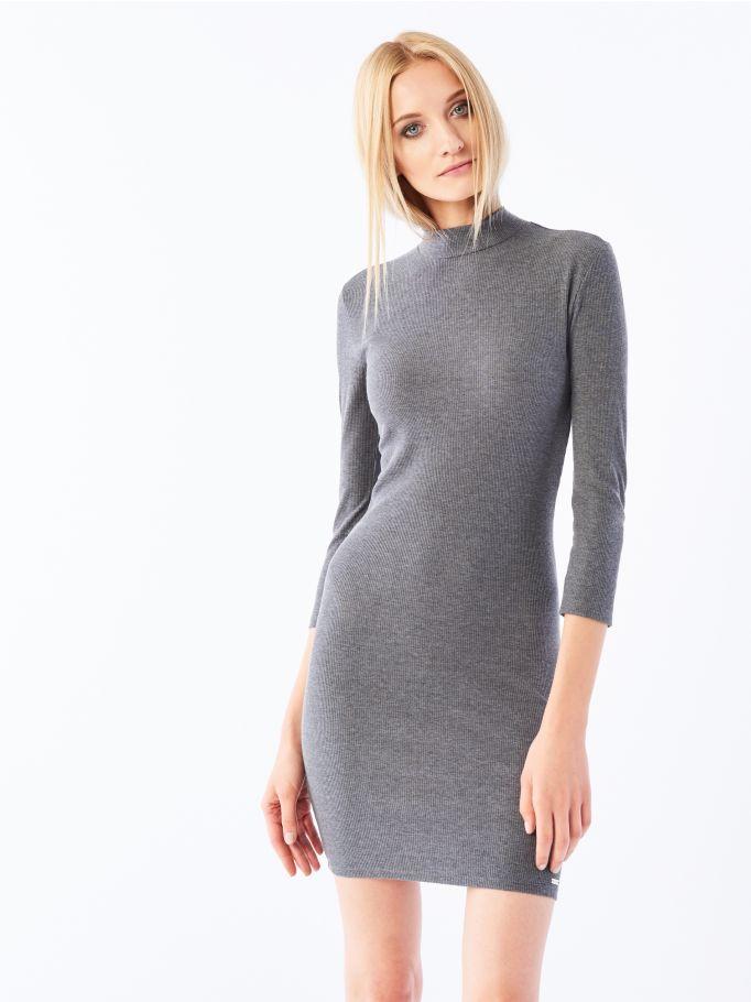 Dopasowana sukienka z wąskim golfem, MOHITO