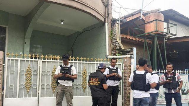 Kasus Video Porno, Polisi Sita Seprai di Rumah Firza Husein http://www.detik.pw/2017/02/kasus-video-porno-polisi-sita-seprai.html