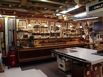 Woodshop Bench Layout And Lighting Auto Garages