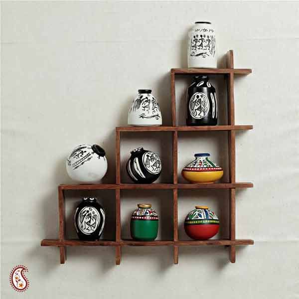 5 Beautiful Accent Wall Ideas To Spruce Up Your Home: Wall Decor With Miniature Pots