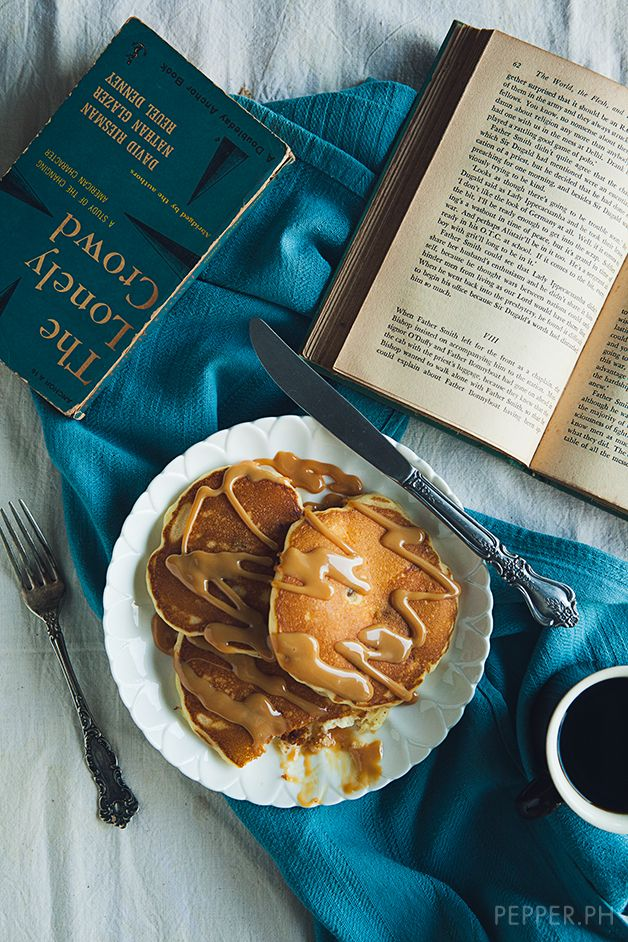 Cheesecake Pancakes with Dulce de Leche