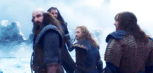 Does anyone see how scared Fili, and Kili look? And how Thorin steps out in front of them?<- stab me in the heart, why don't you