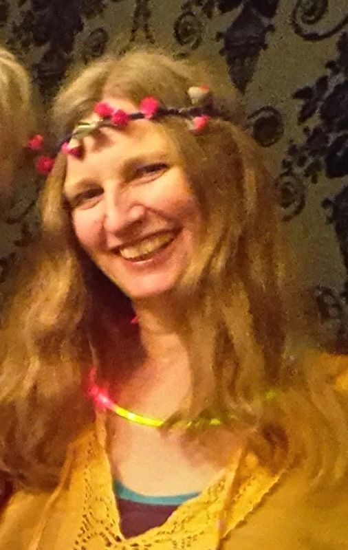 Bloemetjes hippie hoofdbandje meisjes dames met roosjes - one size - Hippy girls ladies flower head band with roses Ibiza Boho gypsy fashion