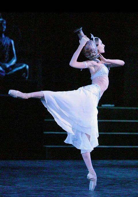 """<<Svetlana Zakharova as Nikya in """"La Bayadère"""" (Bolshoi Ballet)>>"""
