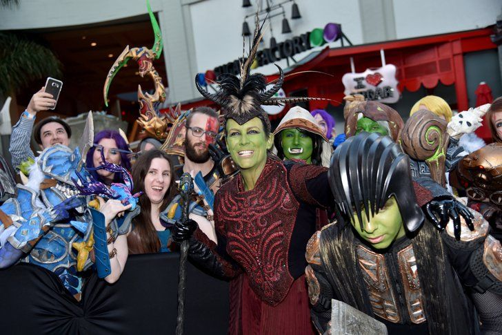 Pin for Later: Jamie Lee Curtis Deserves a Mom of the Year Award For Cosplaying at the Warcraft Premiere With Her Son