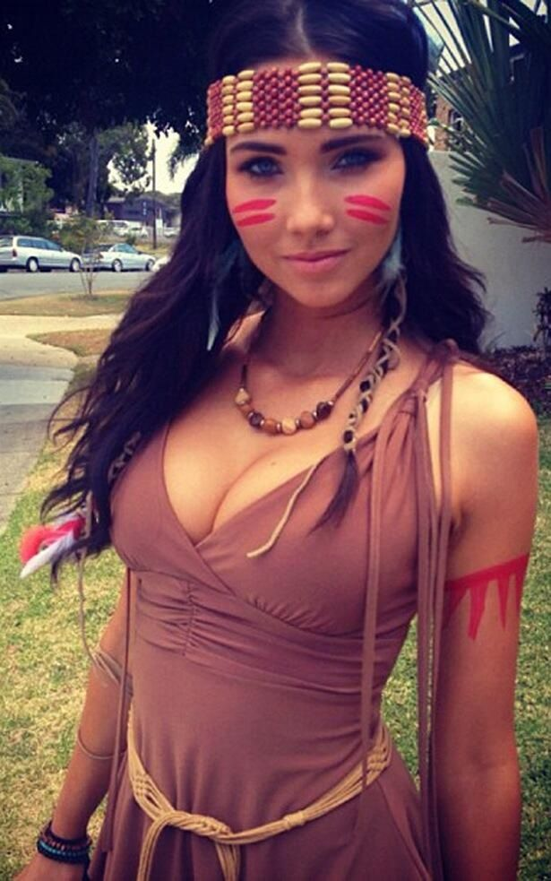 Love this Indian outfit idea for Halloween!