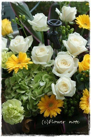 『【今日の贈花】スタジオ開店のお祝花』http://ameblo.jp/flower-note/entry-11634964815.html