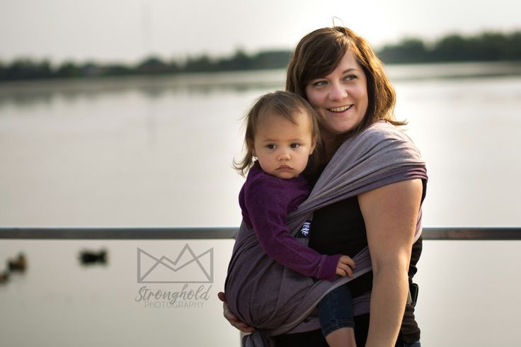 The XOXO Baby Carrier is a combination of a buckle waist and wrap straps making is a easy combination for any patent or caregiver to use easily. #babywearing