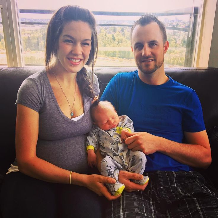 Meet Weston Bryan Ponsford the first midwife-assisted baby born in BC on International Day of the Midwife! Weston was born on May 5th at 01:16 am at Royal Colombian Hospital in New Westminster with the assistance of midwife Helen Wang. Congratulations mom Caitlin Amson and dad Derek Ponsford! #IDM2017 #BCMidwives