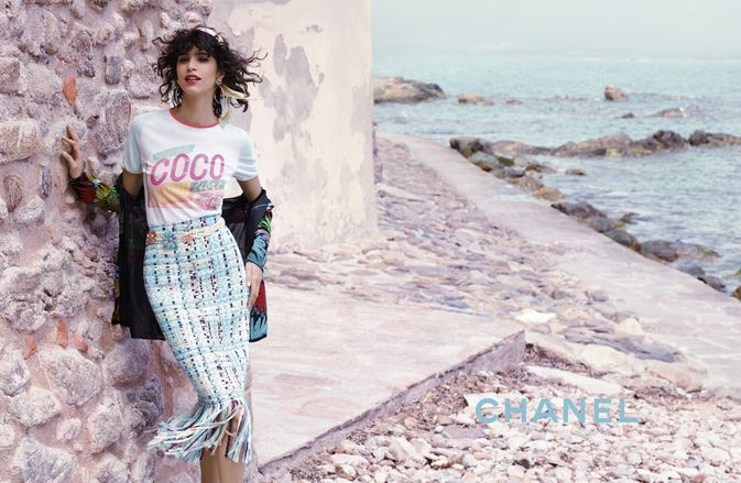 Chanel Cruise-In-Cuba Resort 2017 Ad Campaign Photos. Photographed By: Karl Lagerfeld. Models: Mica Arganaraz. Stella Tennant.