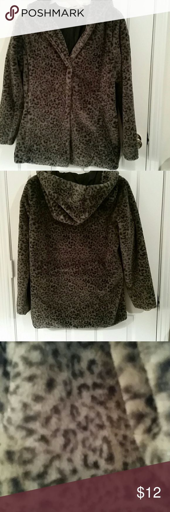 Hollister coat Medium gray leopard coat. Fake fur with 2 snap closures. First 2 pictures are the actual color. Hollister  Jackets & Coats Pea Coats