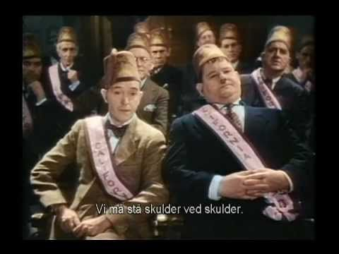 Sons Of The Desert - Stan Laurel and Oliver Hardy(Danish lyrics) - YouTube