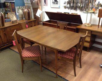 Broyhill Brasilia Walnut Table With 4 Chairs   San Mateo