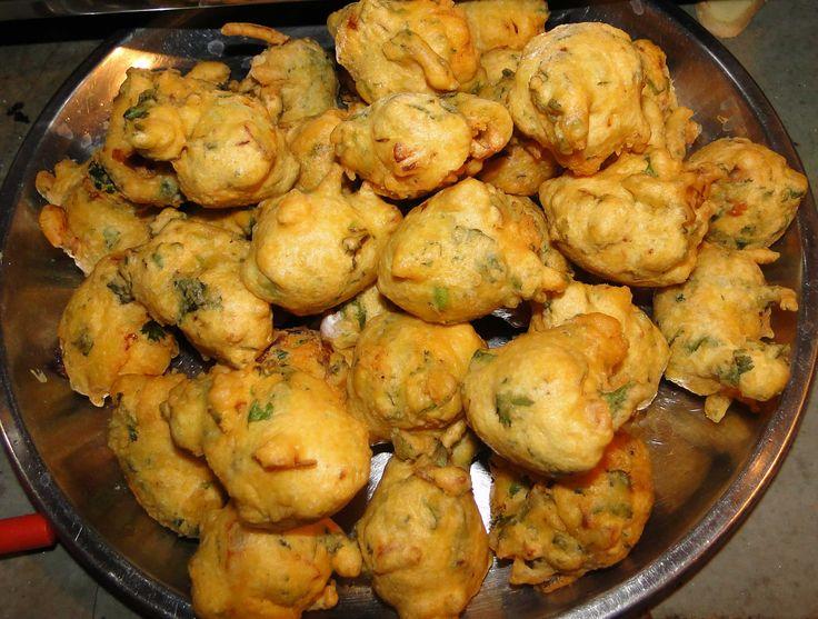 Gujarati People's Popular Snack Spicy BHAJIYA.............  http://www.easyindianfoodrecipes.info/gujrati-recipe/gujrati-snacks-recipe-bhajiya.html