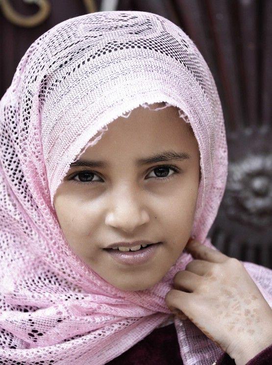 DesertRose///beautiful Girl in pink hijab (Sanaa, Yemen)