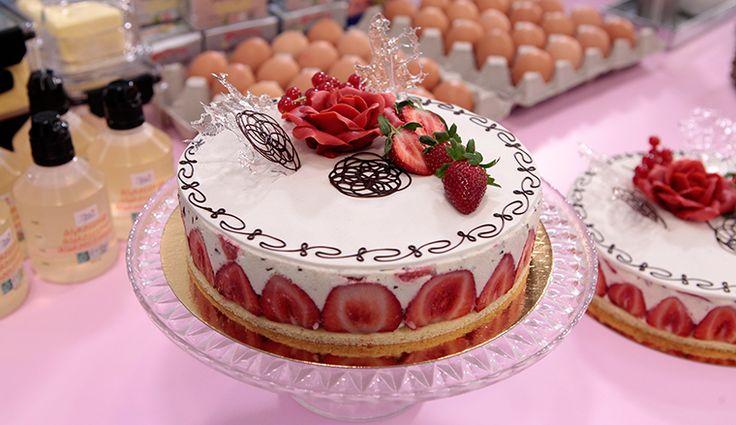 Jordbær-Vanille lagkage - Sweet Valentine