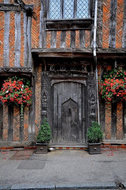 Lavenham, Suffolk, BEEN HERE! This little village is amazing, about 15 minutes outside of Bury St Edmunds :)