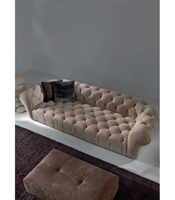 Le Chesterfield capitonné est un type de canapé réputé pour son allure cosy et élégante.