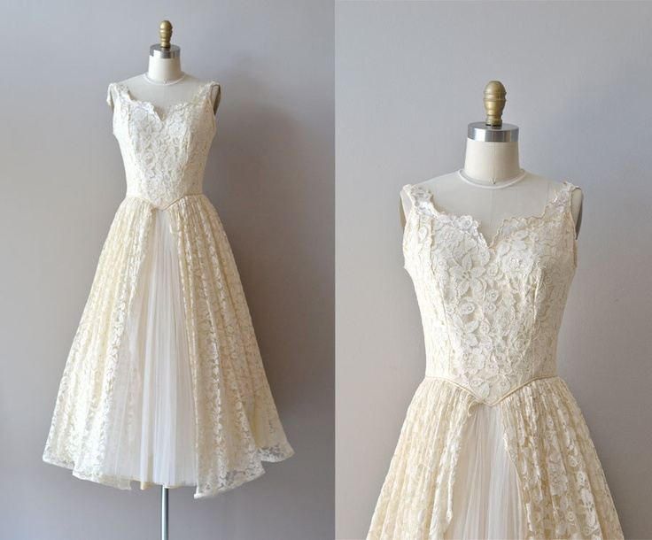 50s wedding dress / 1950s lace wedding dress / Tres Leches dress. Dear Golden Vintage, via Etsy.: Lace Weddings, Wedding Dressses, 1950S Lace, Lace Wedding Dresses, 50S Wedding Dresses, Tres Leche, Popular Shops, Lace Dresses, Leche Dresses