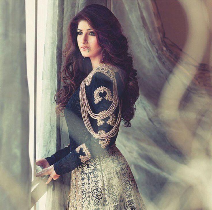 Dimple Khanna.....gorgeous