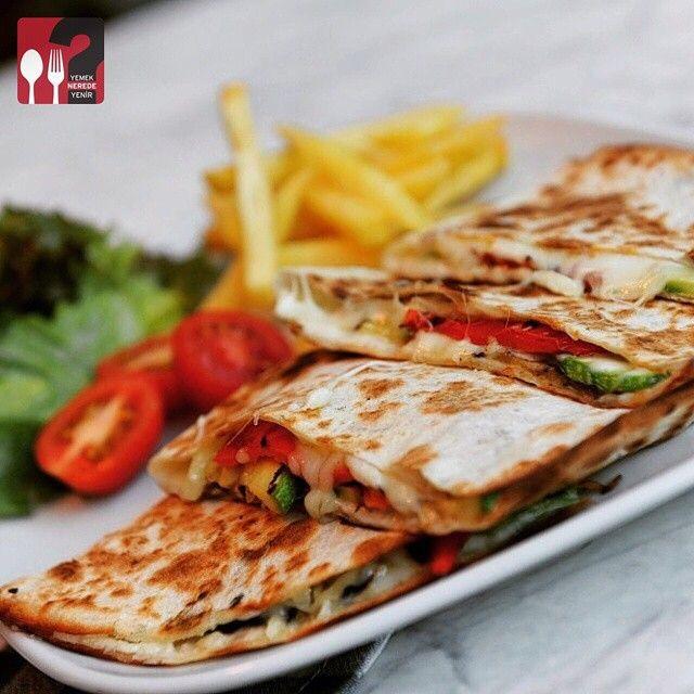Sebzeli Quesadilla - Gurme N Steak / Istanbul ( Bahçeşehir - Prestige Mall Avm)   ️Çalışma Saatleri : 09:30-11:30 ☎️ 0 212 669 62 00  21 TL