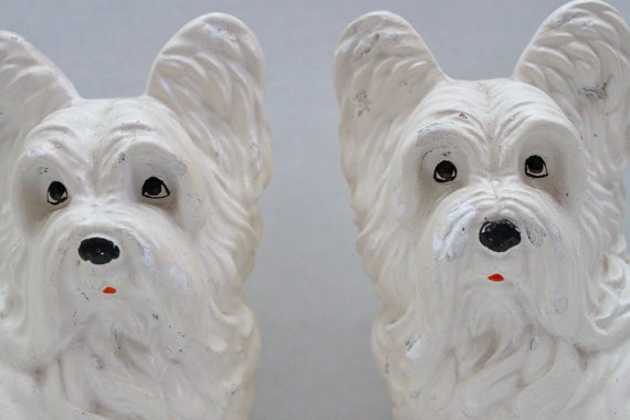 vintage pair of chalkware white dogs // westie by RedTuTuRetro, $40.00: Vintage Wardrobe, Chalkwar White, Vintage Pairings, Westies Bookends, White Dogs