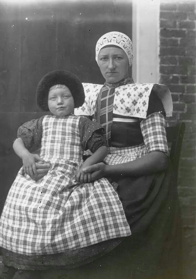 1915, Holland