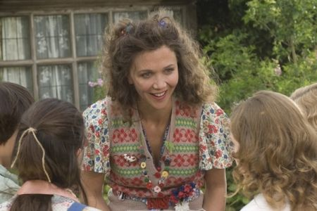 Maggie Gyllenhaal's dresses in Nanny McPhee & the Big Bang-wonderful. Her wardrobe in this movie is amazing.