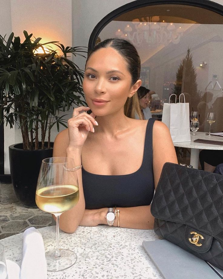 Marianna Hewitt On Instagram Kind Of Into Filter Free Photos Right Now Into It Too Or Nah Also Hi Toronto Marianna Hewitt Marianna Hewitt Style Marianna
