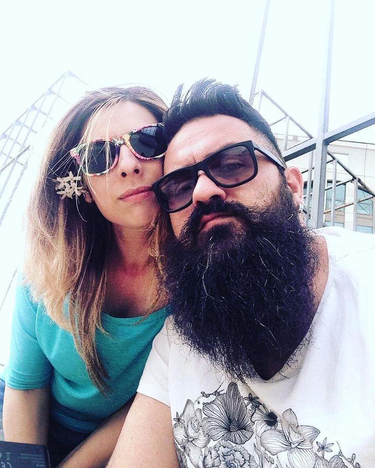 Dietro un grande uomo barbuto c'è sempre una grande donna   #igersreggiocalabria #reggiocalabria #igerscalabria #calabria #igersitalia #igersinitaly #igersfamily #familyfirst #fam #familytime #couple #cute #life #love #loveher #pretty #romance #together #xoxo #yolo #memories #