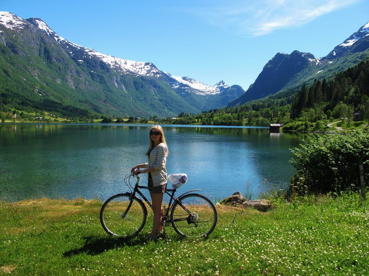 Bicycling in Olden, Floen lake