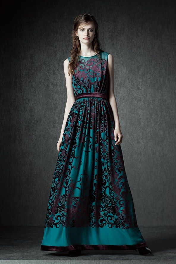 See the Alberta Ferretti pre-autumn/winter 2015 collection