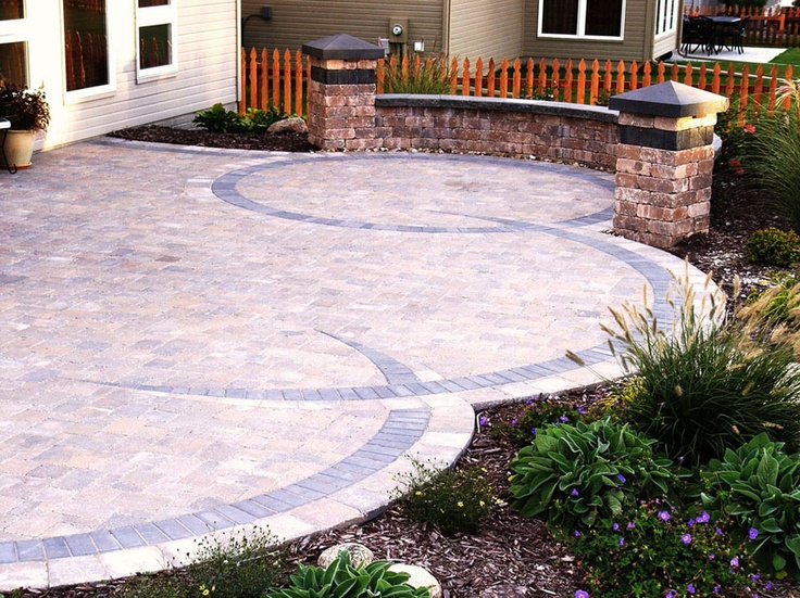 great paver patio design!