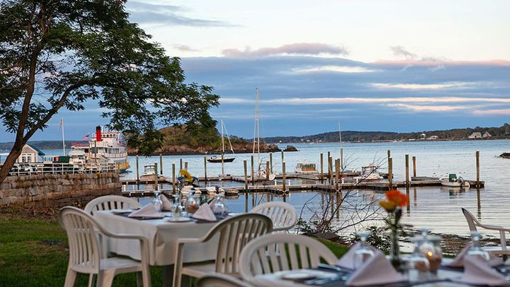 17 Maine Restaurants With Stunning Views I grew up in a small coastal town in Oregon and love anything near the water. Someday, I want to take the cliché Maine trip and devour a Lobster Roll and see the lighthouses.