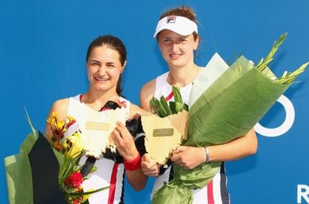 Irina Begu and Monica Niculescu with Hobart 2012 double trophy